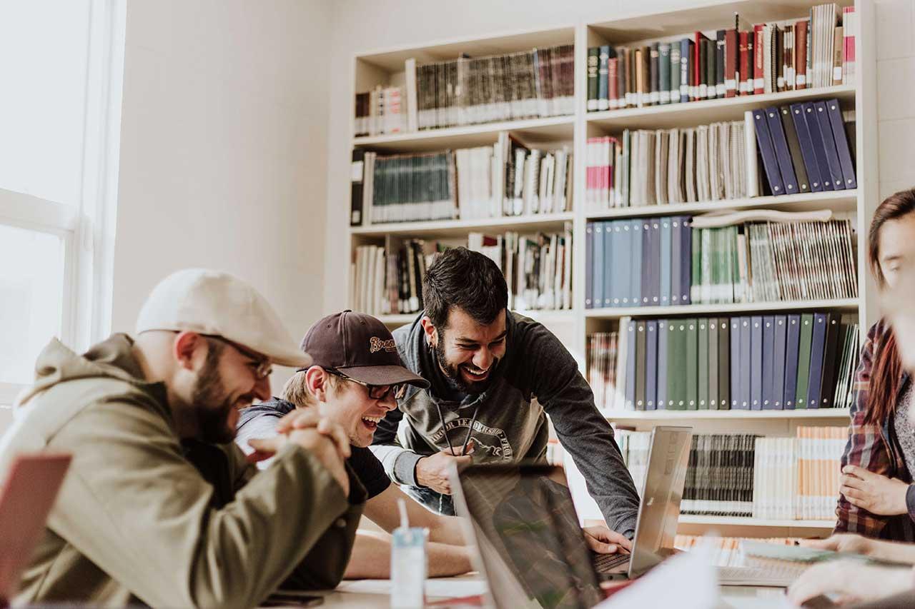Werkstudenten Job in München – Online Marketing & Personal